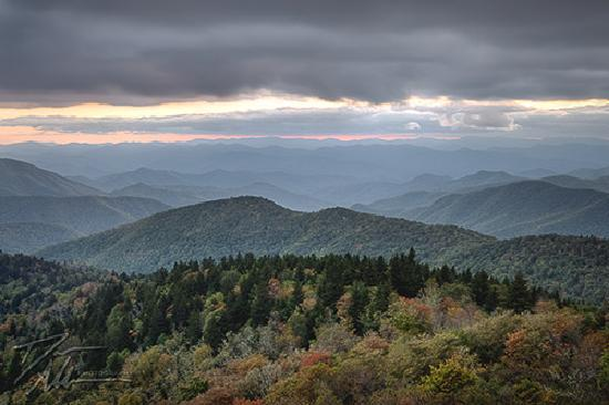 Blue Ridge Parkway : one of the best overlooks for pictures at sunset!
