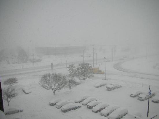 Hampton Inn Frederick: Blowing snow