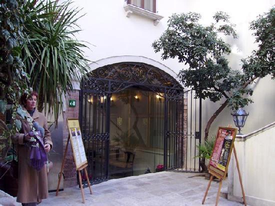 Palazzo Paruta: Cour intérieure de l'hôtel
