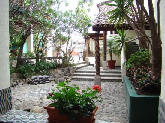 Hotel Casa del Parque: Beautiful gardens
