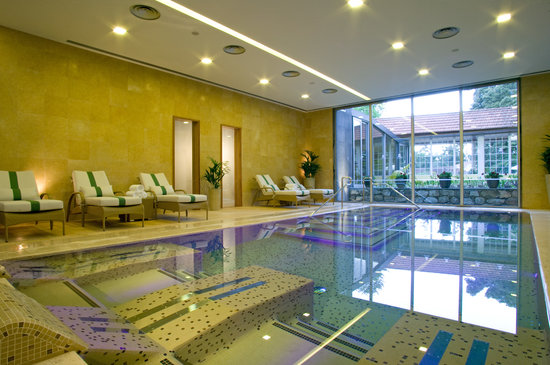 Casa Velha do Palheiro: Indoor heated spa pool