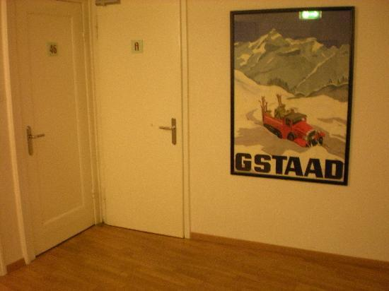 Hotel Seegarten: The tiny hallway, decorated with vintage ski posters