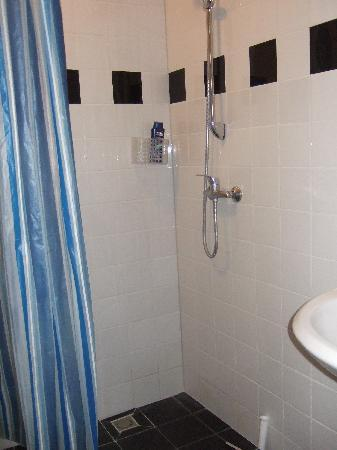 Bema Rentals: La salle de bain