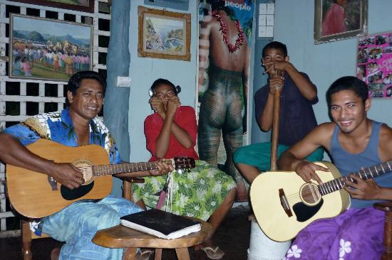Safua Hotel : Samoan Musical Talent at Safua