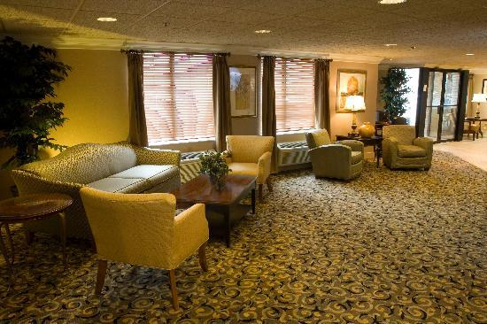 Comfort Inn Livonia: Our Lobby