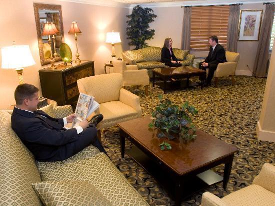 Comfort Inn Livonia: Lobby
