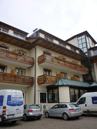 Chrys Hotel: Esterno