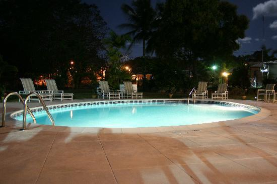 Bayfield House: The pool at night