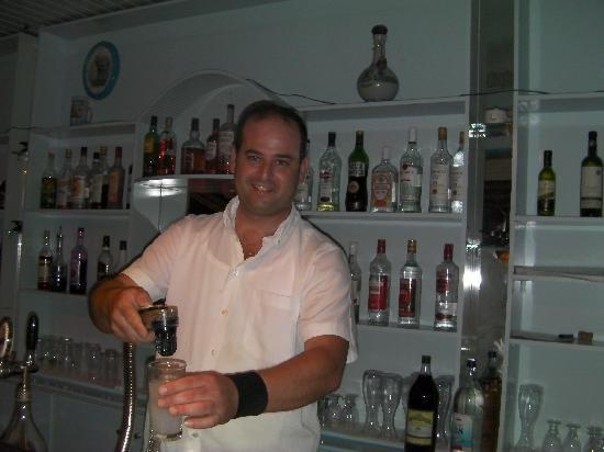 Evelyn Beach Hotel: Jorge the barman