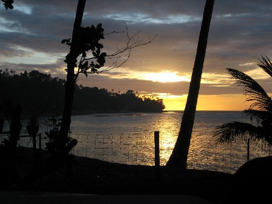 Mambajao, Filippinerna: Sunset at secret Cove