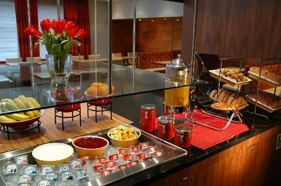 Residence Inn by Marriott - Montreal Westmount: Breakfast Residence Inn Montreal Westmount