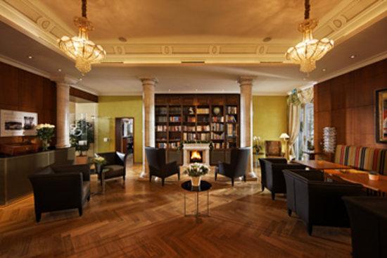 Hotel Eden: Bücherei wunderschön