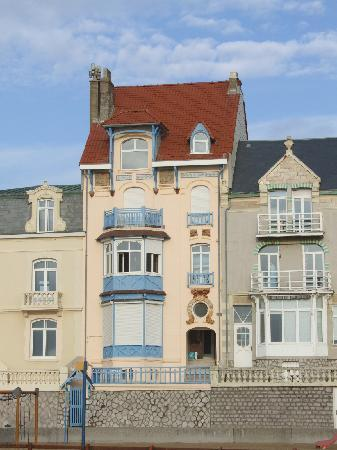 La Goelette : Front of building.