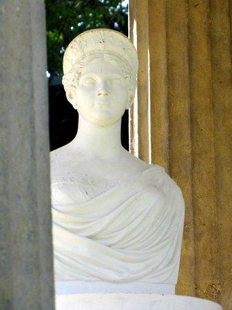Louisen-Gedenkstatte Hohenzieritz