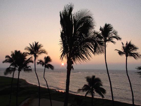 Koa Lagoon: Sunset from patio.