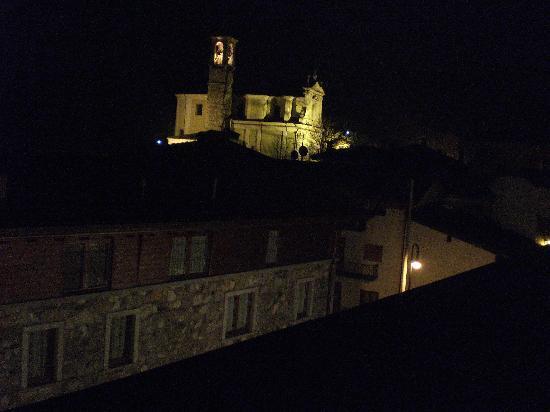 Albergo Venturelli : Town at night