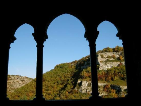 Basilique St-Sauveur: brega, mas lindo!