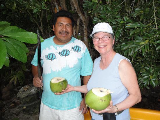 Coral Bay Villas: coconut milk is 'good' for you!
