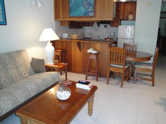 Coral Bay Villas: comfort, cleanliness, service, friendly and more