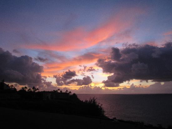 The Cliffs at Princeville: Sunset from Unit