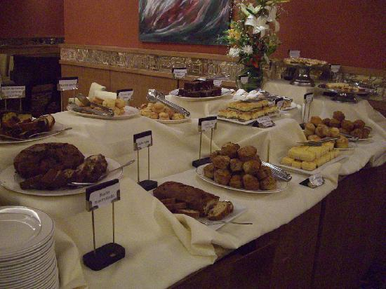 Alejandro I Hotel International Salta: Breakfast
