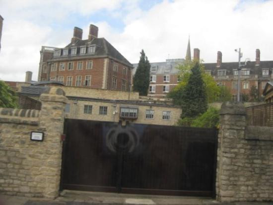 Cirencester, UK: Oxford, UK