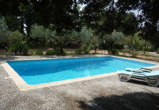 Cotignac, Francia: la piscine