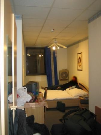 Novum Hotel Kaffeemuehle: 3 pers. room interior