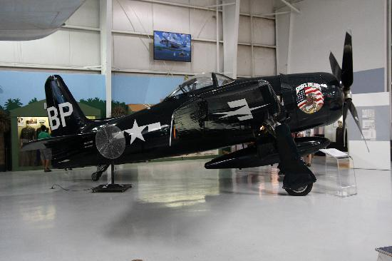 Palm Springs Air Museum : F8F bearcat