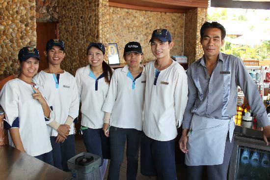 Centara Grand Mirage Beach Resort Pattaya : The great team at Oceans bar.