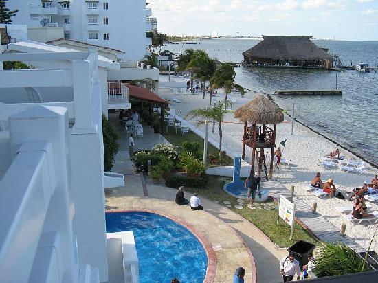 Holiday Inn Cancun Arenas: View balcon