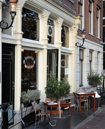 De Belhamel from outside