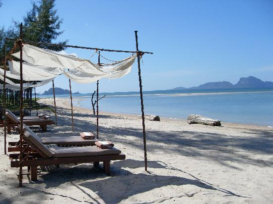 Anantara Si Kao Resort : Private beach - great views
