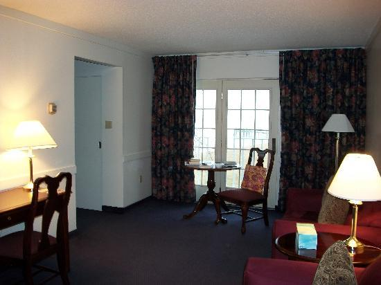 Sandy Cove Ministries: parlor of my suite