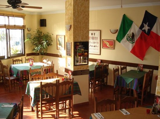 Zacatecas Tex Mex : Inside the restaurant