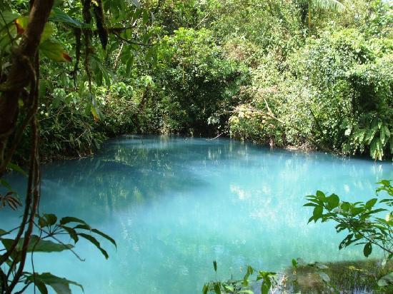 B&B Hotel Sueño Celeste: Río Celeste, the Blue Lagoon