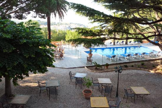 Hotel Les Jardins du Cedre : terrasse/piscine