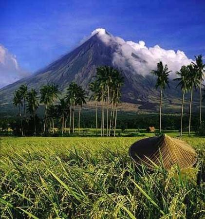how to get to mayon volcano from legazpi