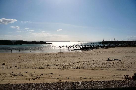 Hotel Beausejour : Erquy, la plage