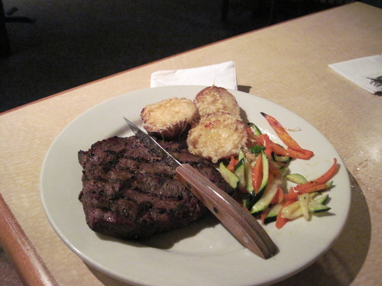 Dutchman's Seafood House: steak dinner