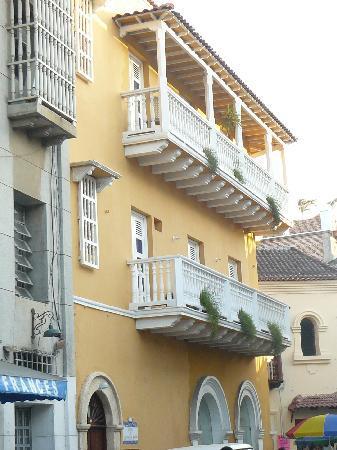 Los Balcones de Badillo Hotel : el hotel desde la calle