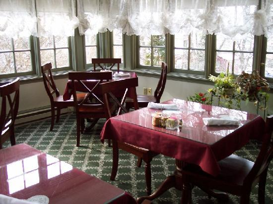 The Lafayette Inn: part of the charming breakfast room