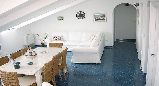 La soffitta sul mare hotel vietri sul mare costiera amalfitana prezzi 2018 e recensioni - Pavimenti per casa al mare ...