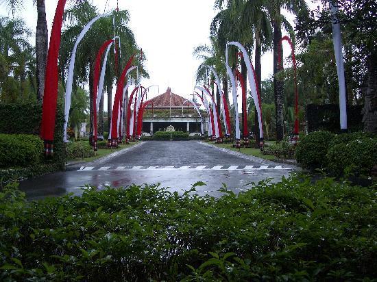 Melia Bali: Entrance