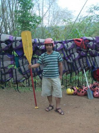 Ganeshgudi, Inde : I am the sailor for dangerous rapids ;)