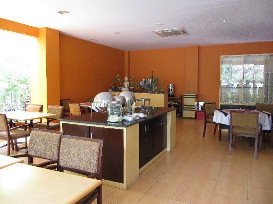 Edotel: Breakfast area