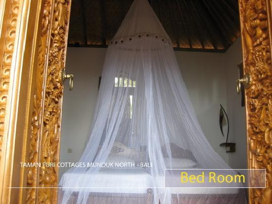 Puri Lumbung Cottages: Bed room new villa at Puri Lumbung