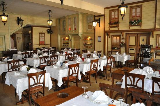 Pasazade Restaurant Ottoman Cuisine: indoor view