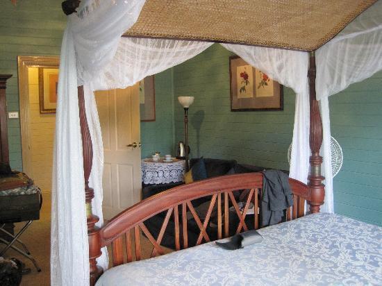 Lurline House: our room