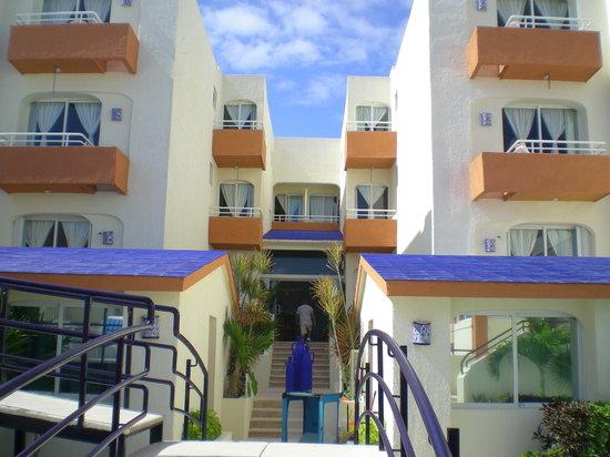 Playa Maya: Entrance